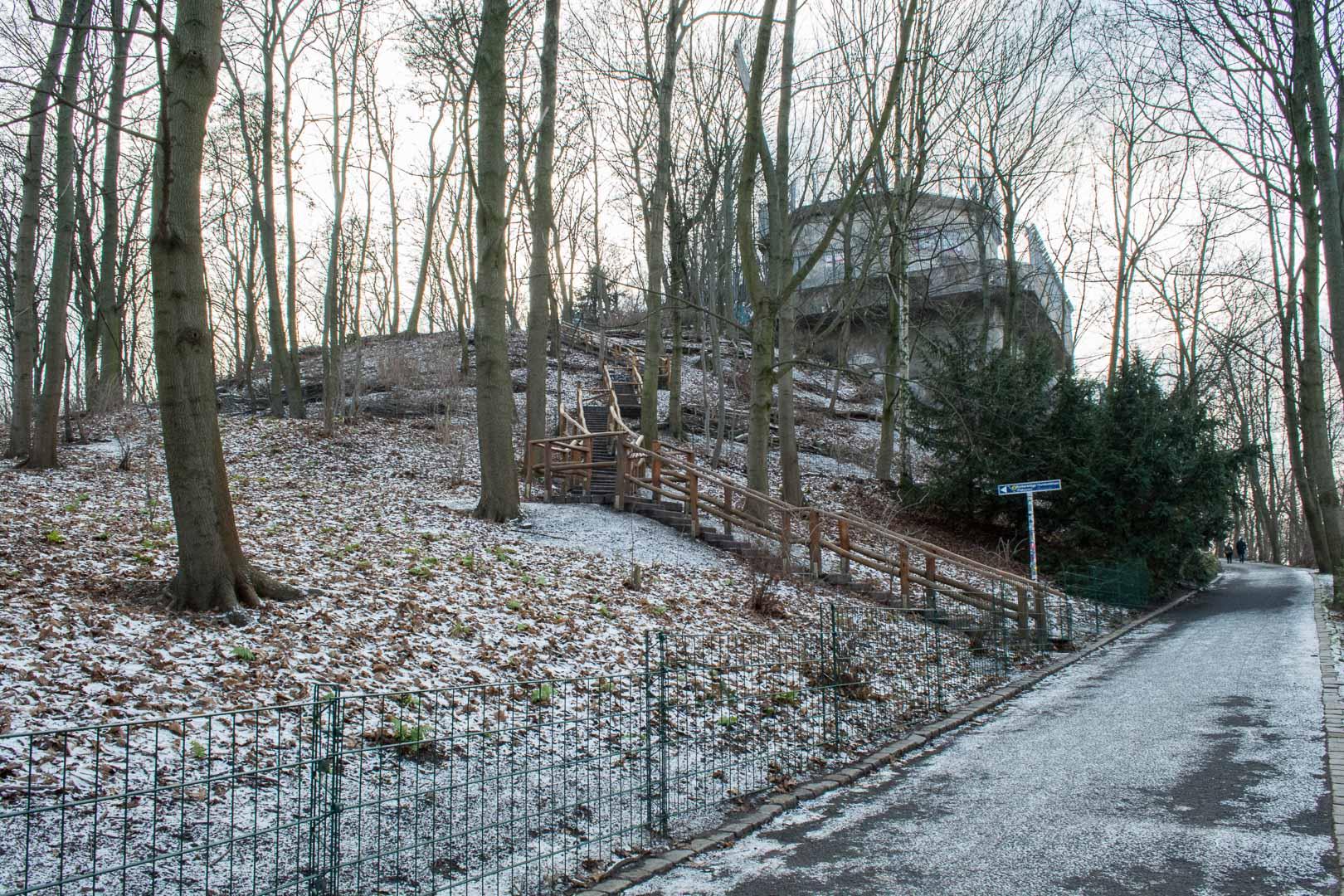 An icy Volkspark Humboldthain