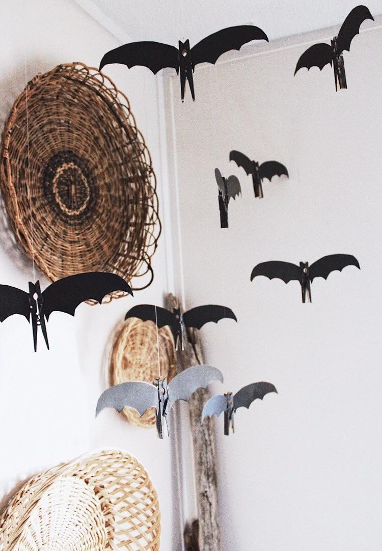 Kayleigh - Rusty Barn Blog - Kayleigh created cute little clothespin bats. Go check them out here