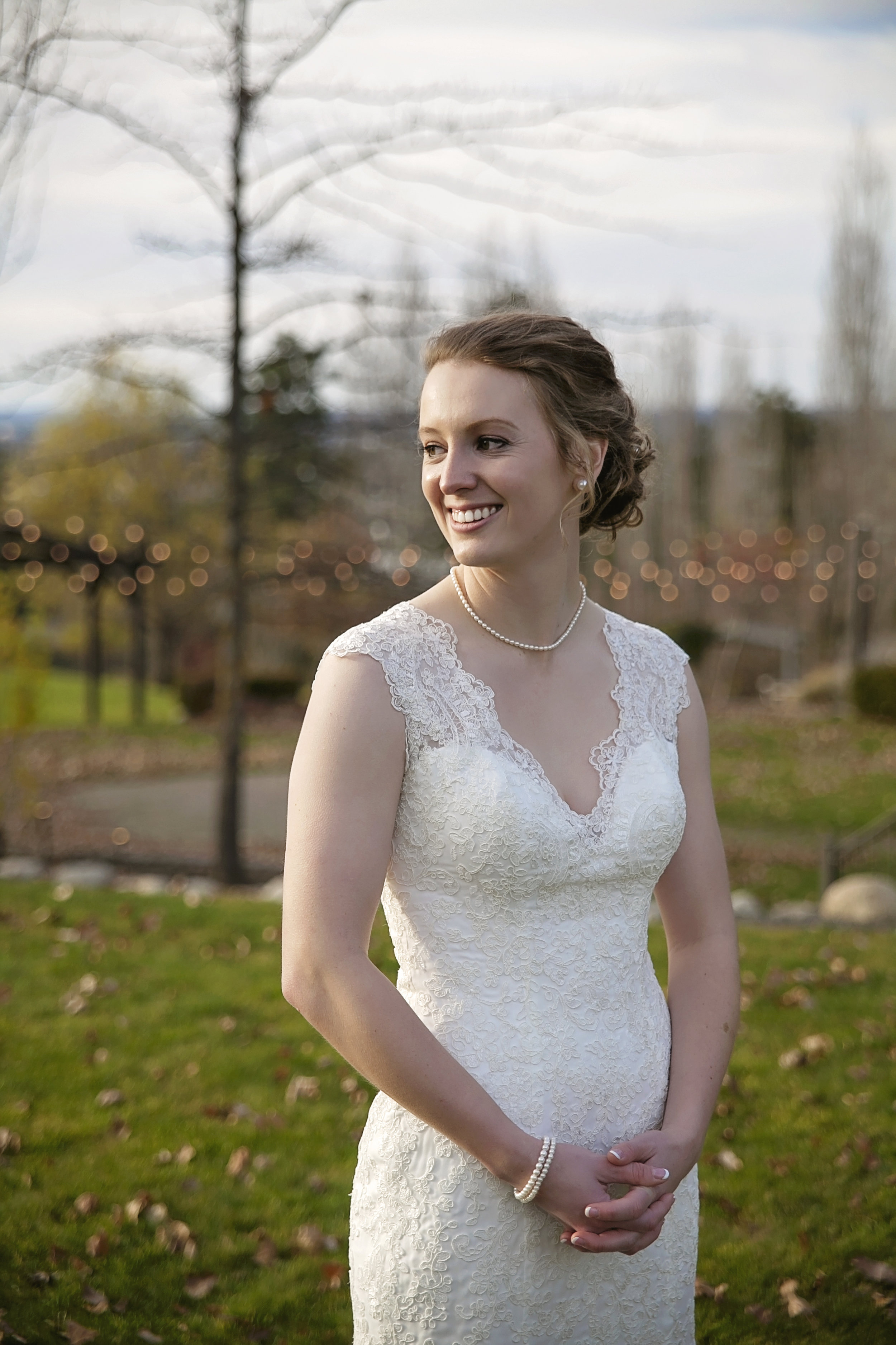Spokane Beacon hill catering and events Bride portrait by spokane wedding  photographer Nate Robinson Photography