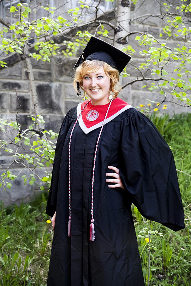 Classic gray WSU graduation pictures at  Washington State University Go Cougs! Pullman Senior pictures by Nate Robinson Photography