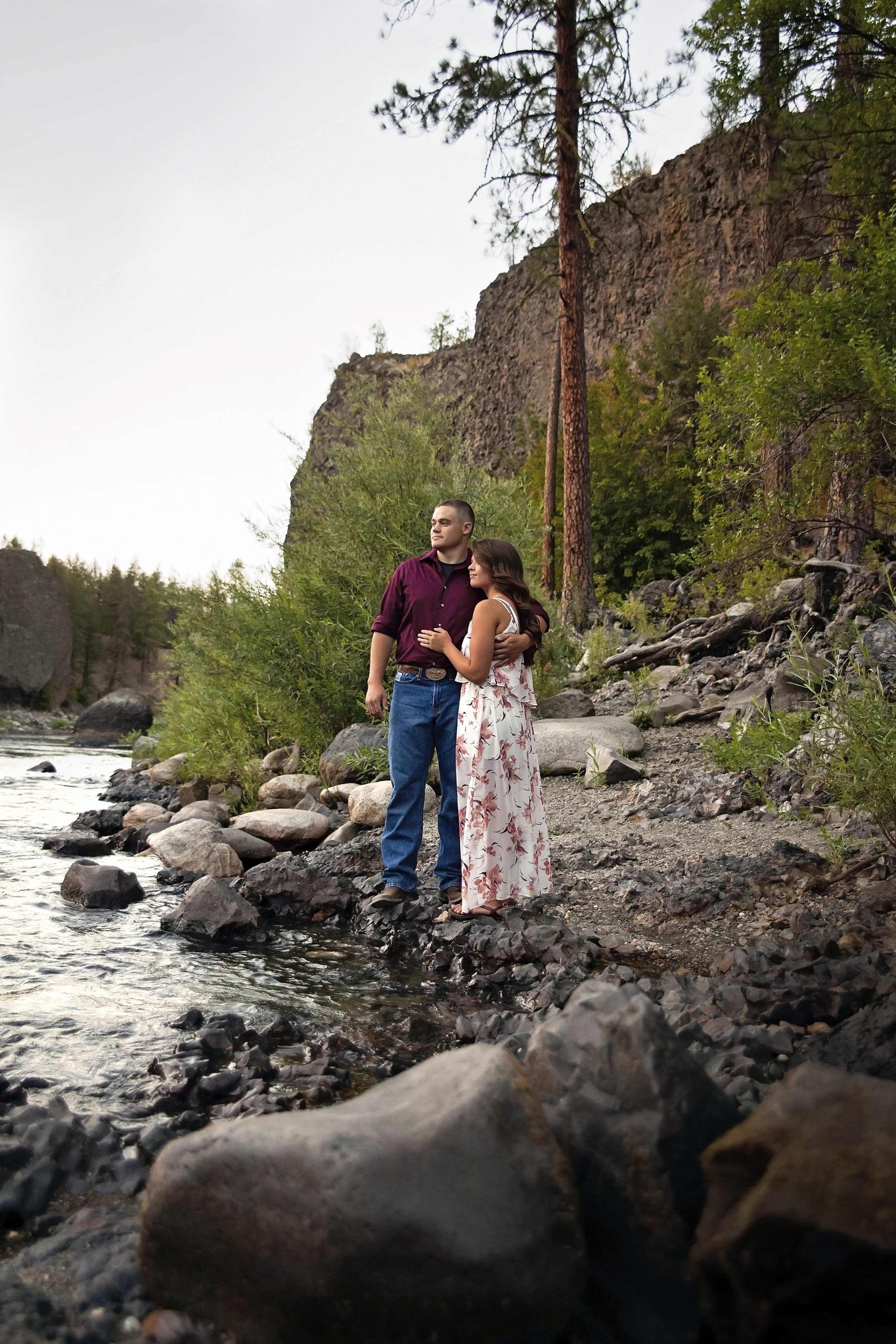 Spokane adventure photographer takes couple to Riverside State Park for engagement pictures