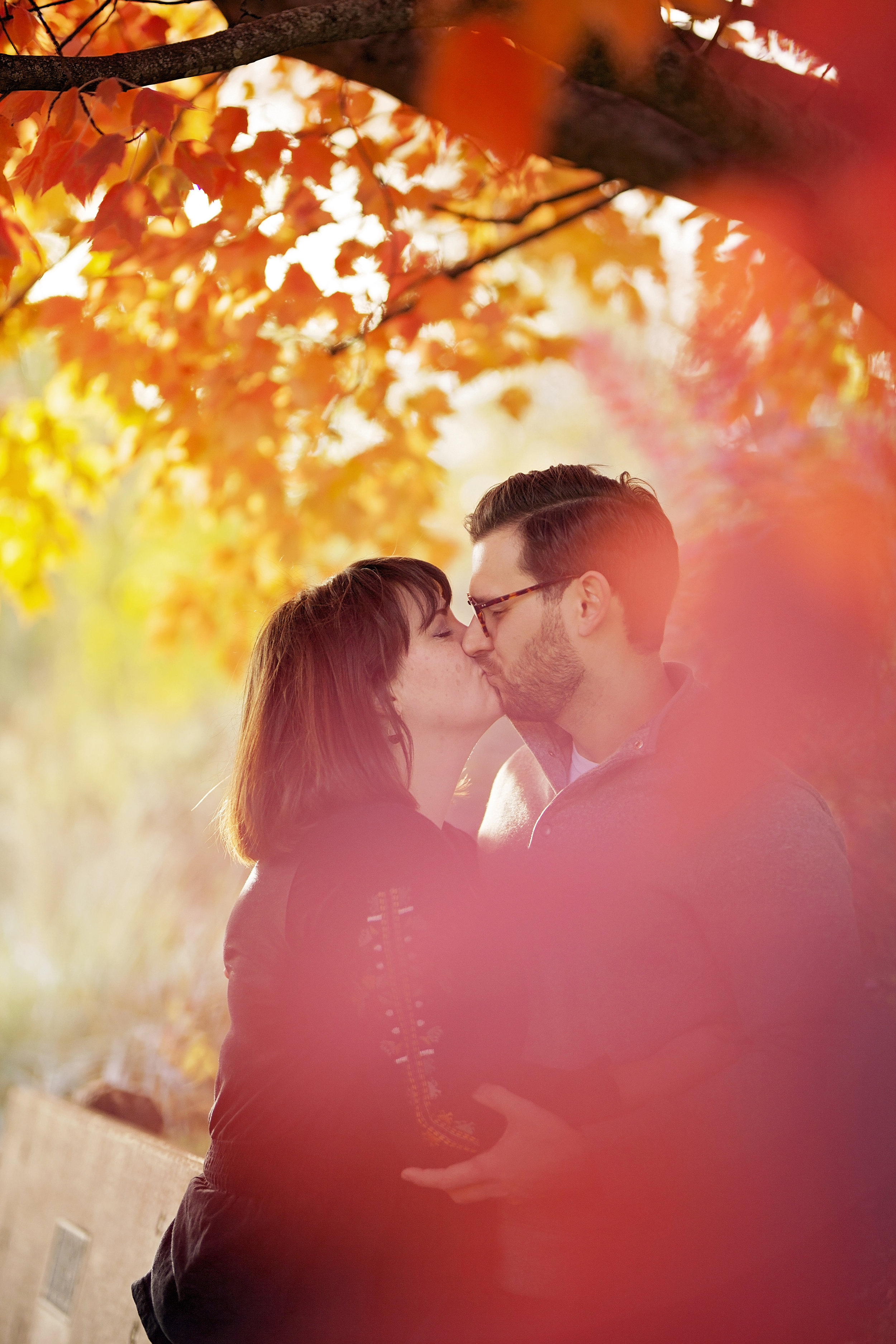 Fall engagement pictures at Lawson Gardens in Pullman by pullman engagement photographer
