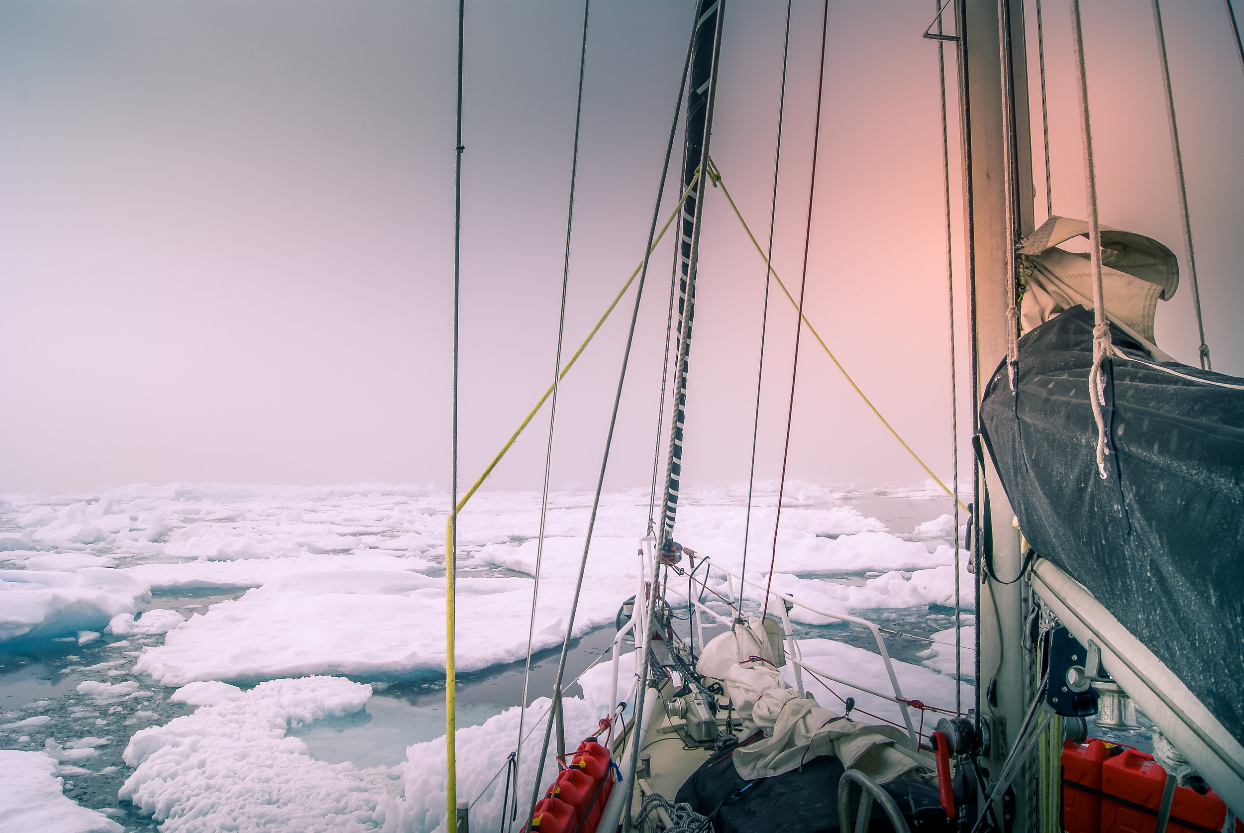 MATTER OF THE SOUL |CONCENTRATION - Kat Austen explores the impact of changes in Arctic ice. The piece draws analogies between the melting of water from ice to ocean, human migration and the changing of identity online.