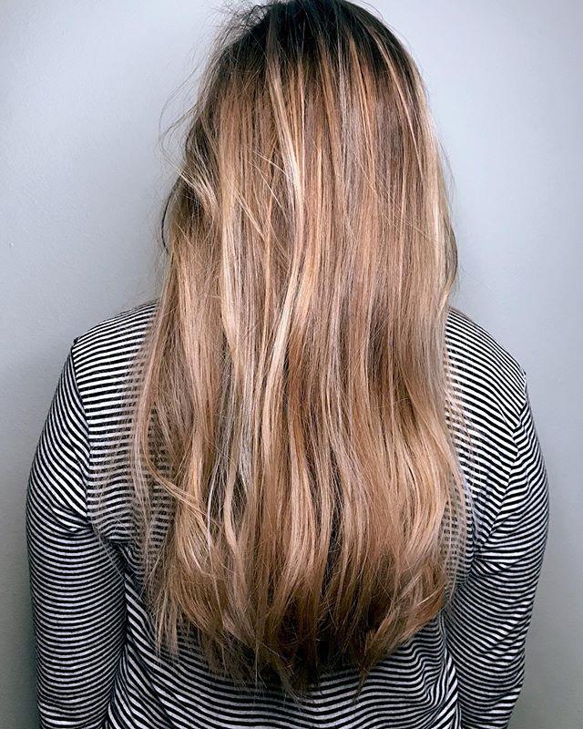 |summer blonde| • • • #thebalayagebae #modastudiosportland #hairstylist #pdxhairstylist #portlandbalayage #portlandhairstylist #blondehair #blondebalayage #beforeandafter #beauty #pdxbalayagestylist #celebritystylist #editorialstylist #portlandartist