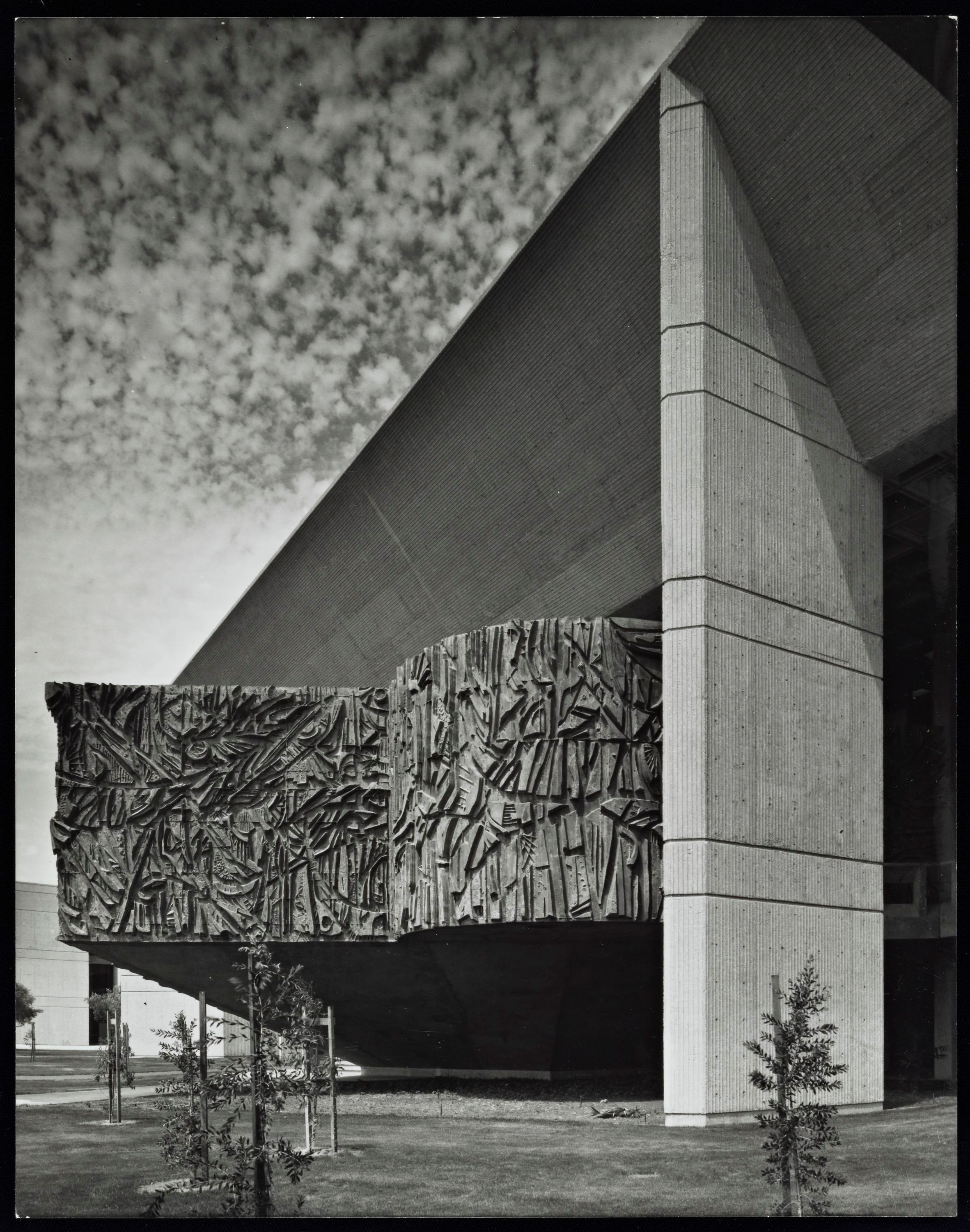 O'Cadiz Moctezuma's iconic  Library Mural  at Cypress College, photographed by Julius Schulman, 1970. © J. Paul Getty Trust.  Getty Research Institute, Los Angeles (2004.R.10)