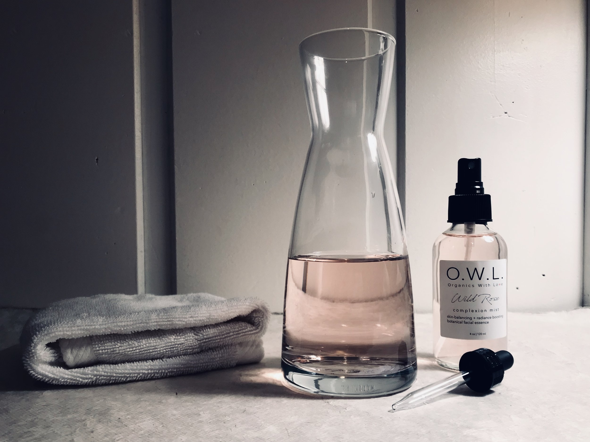 Experience Wild Rose - Mist freely over cleansed skin, before applying oils, for enhanced hydration and nutrient absorption. Mist face again after makeup for a beautiful, healthy glow.