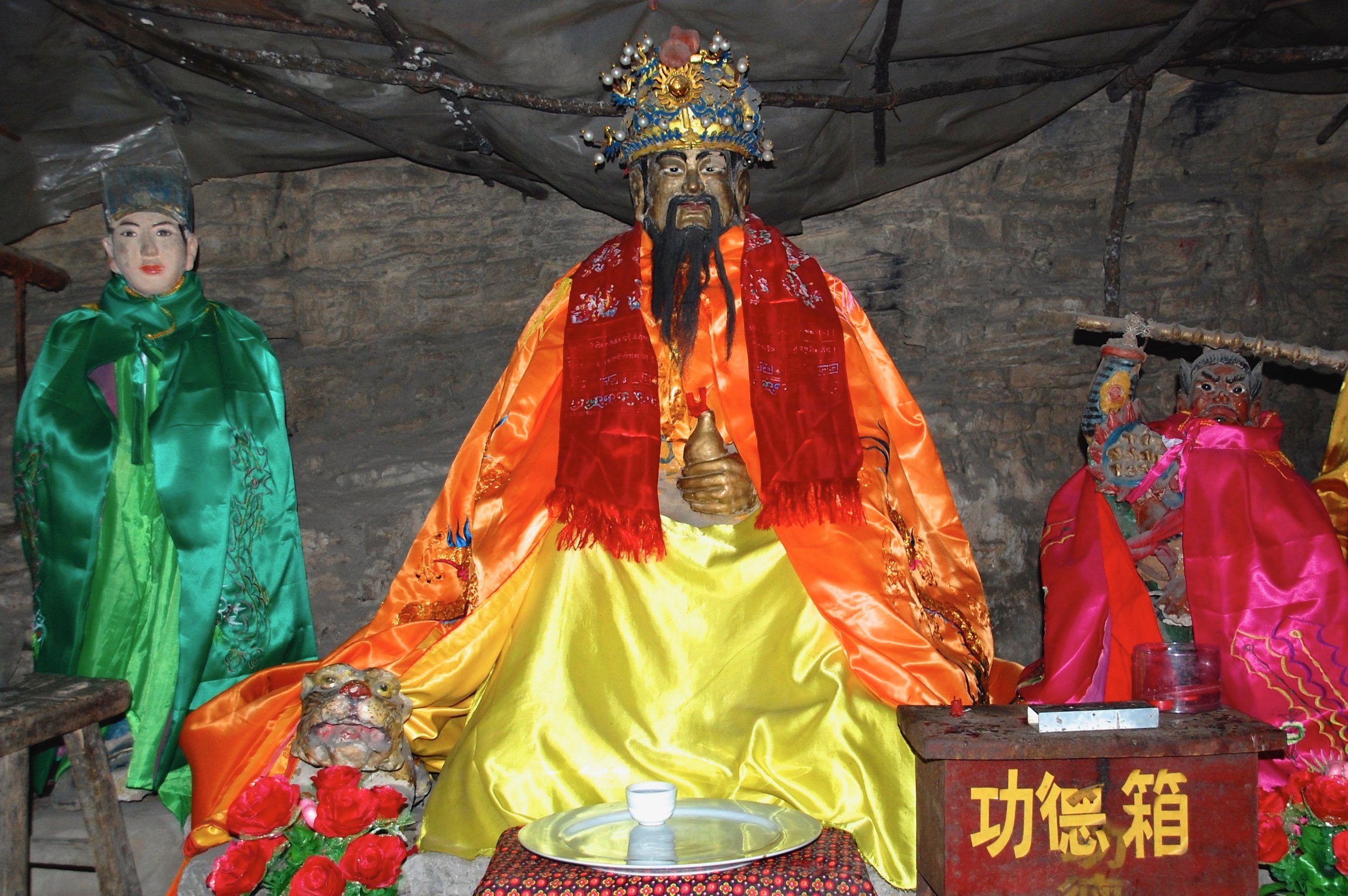 The spirit of Master Physician Sun Simiao lives on in the remote mountain cave where he spent over 10 years refining his inner alchemy (Henan, China)