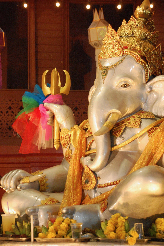 Lord Ganesha sits watch (Wat Sri Suphan, Chiang Mai)