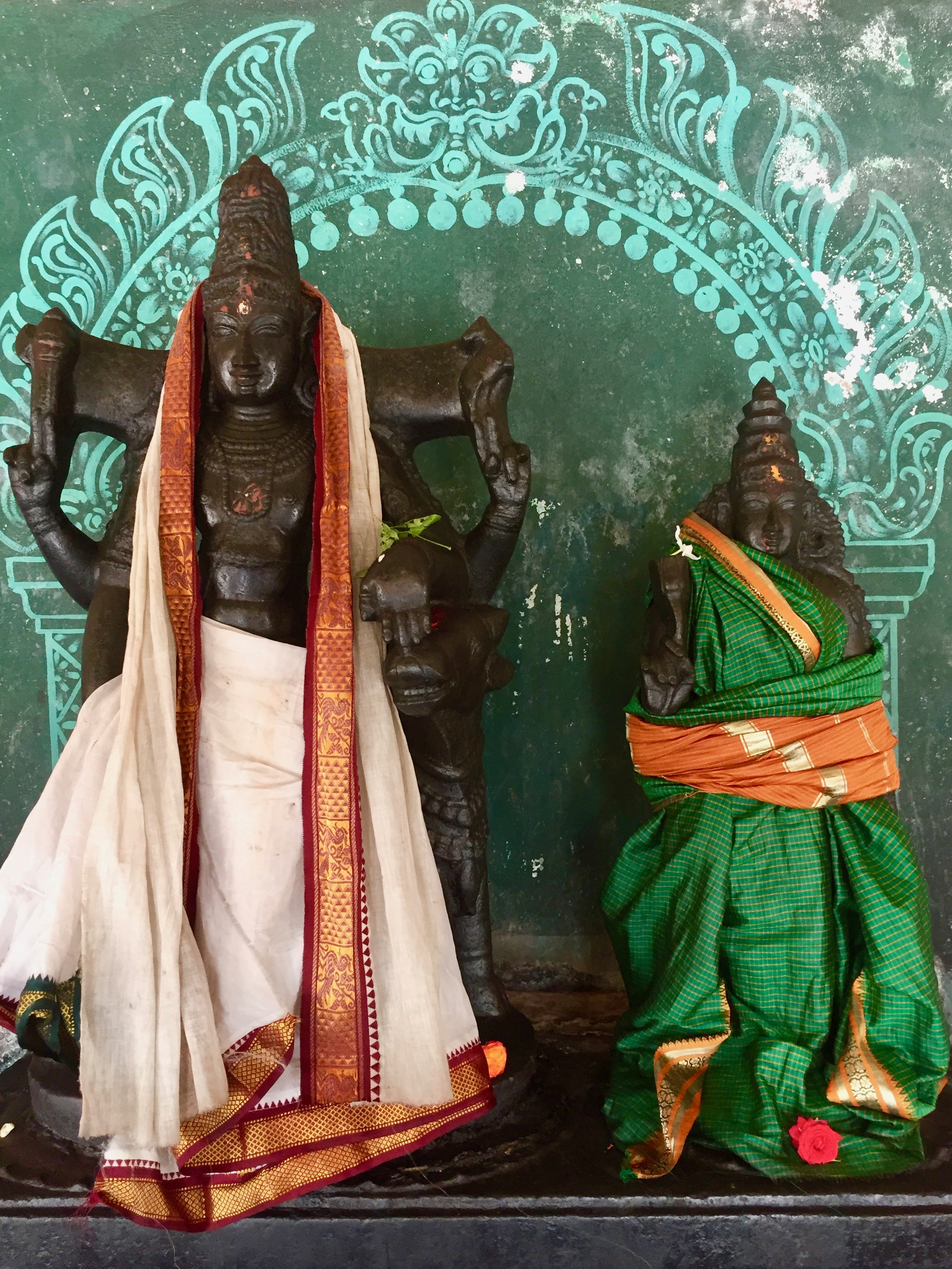 Śiva and Śakti together at the center of the Hall of 84 Mahasiddhas (Sattainathar Temple, Sirkazhi)