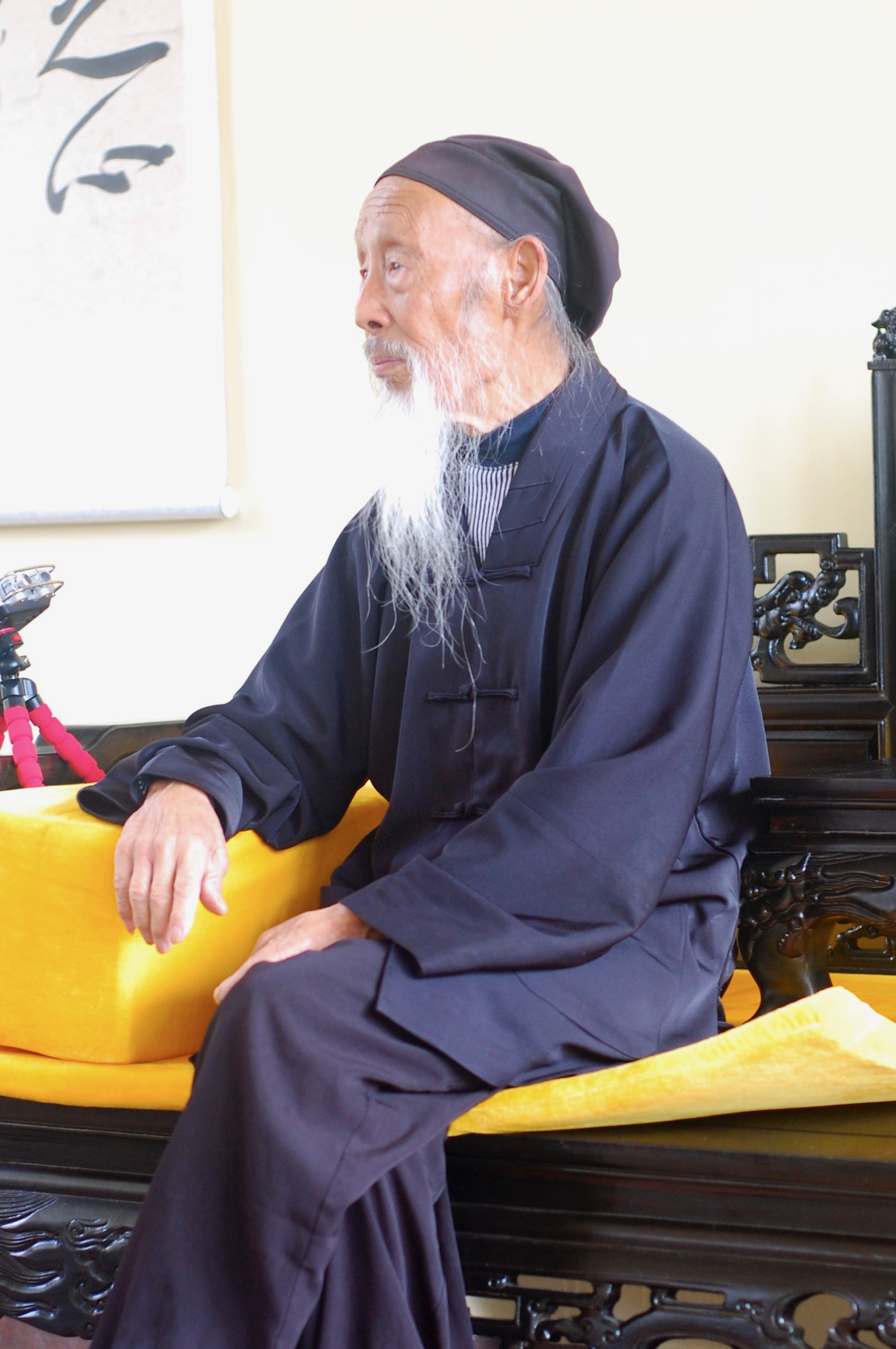 Master Zhang Zhishun of the Complete Reality School, pictured sometime just shy of his 100th birthday (Hainan, China)