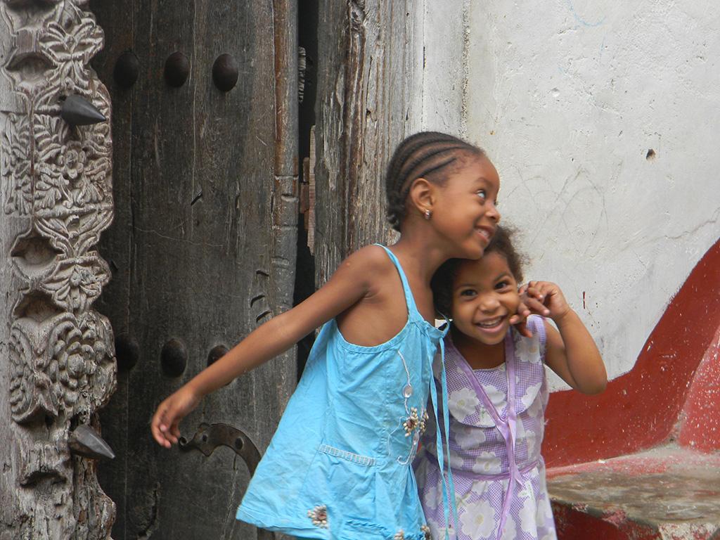 10.zanzibar-girls.jpg
