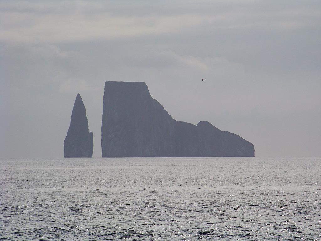 2.galapagos-rocks.jpg