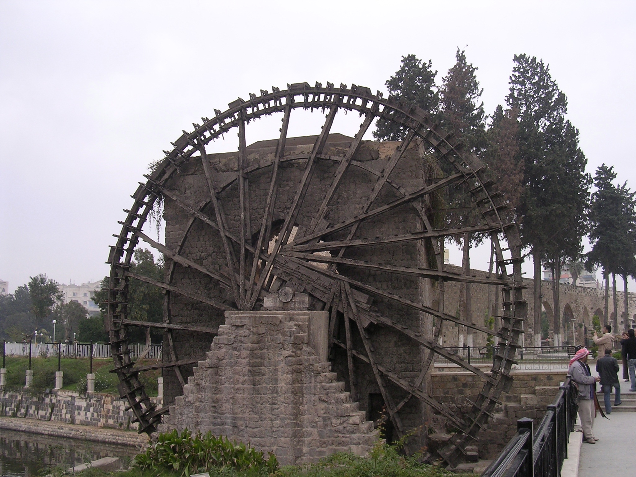14.wooden-water-wheel-hama.jpg