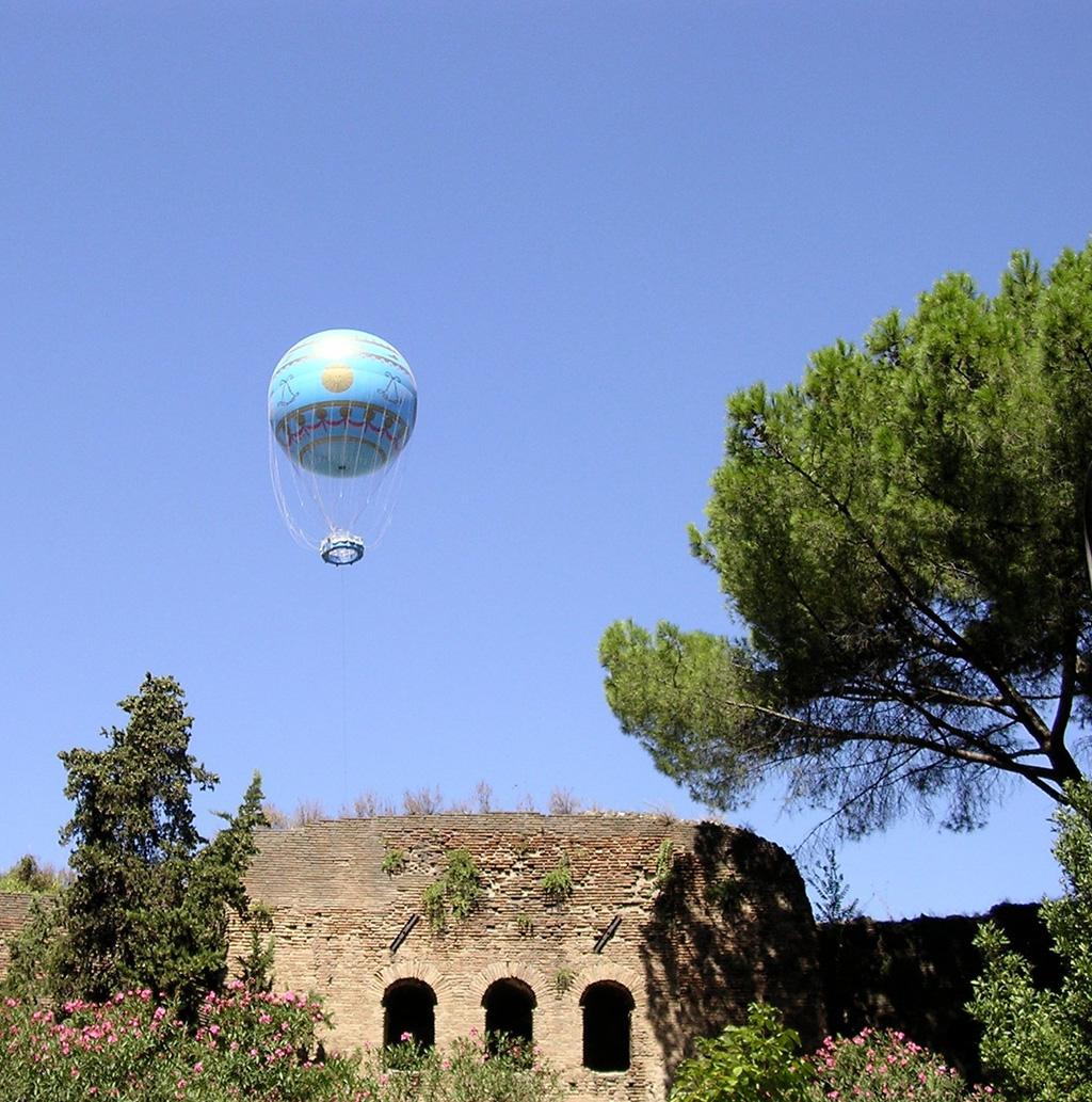 9.roman-balloon.jpg
