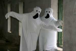 ghosts-982975_1280