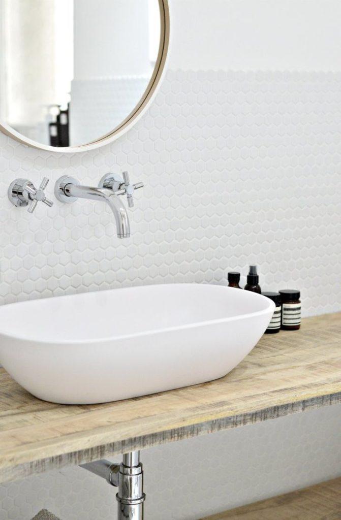 DIY Clutter-Free Bathroom