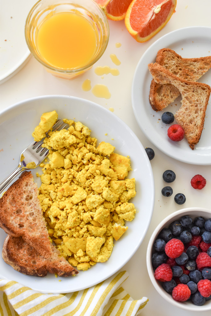 Vegan Breakfast Recipes: Tofu Scramble