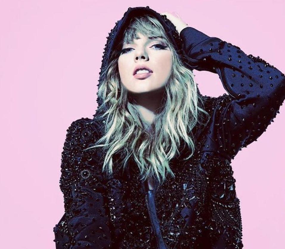 photo via @ taylorswift