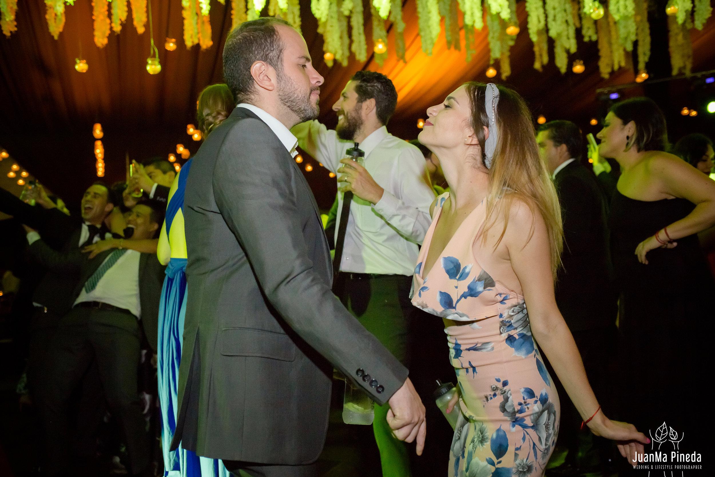 Wedding+Day+Photographer-1-4.jpg