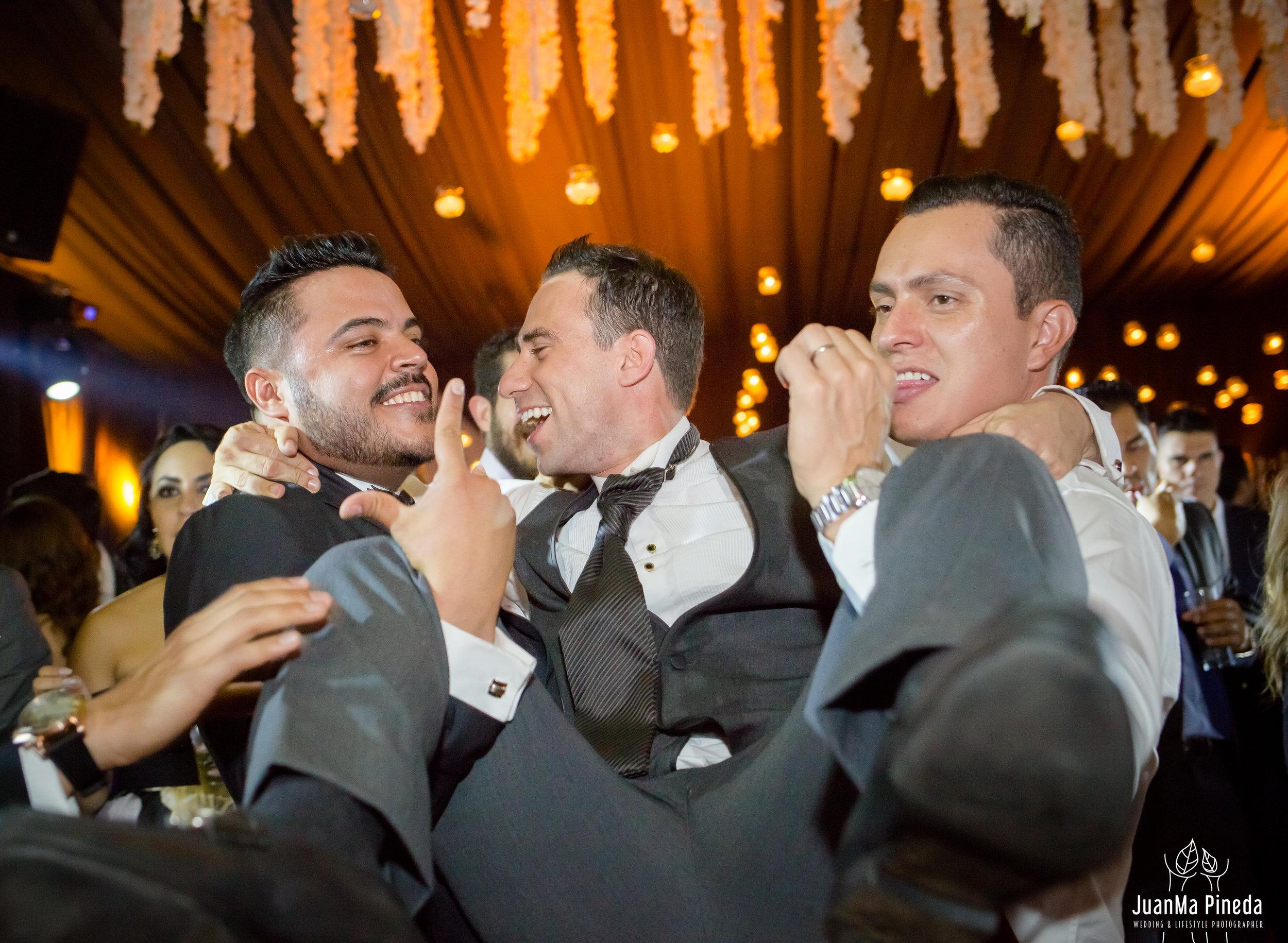 Wedding+Day+Photographer-1-6.jpg