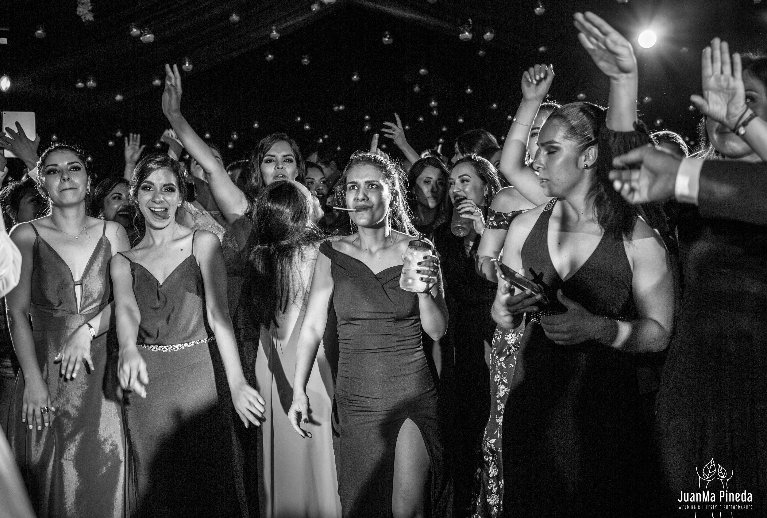 Wedding+Day+Photographer-1-9.jpg