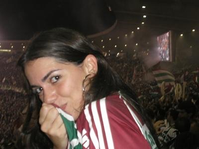 cheering-at-stadium-2.jpg