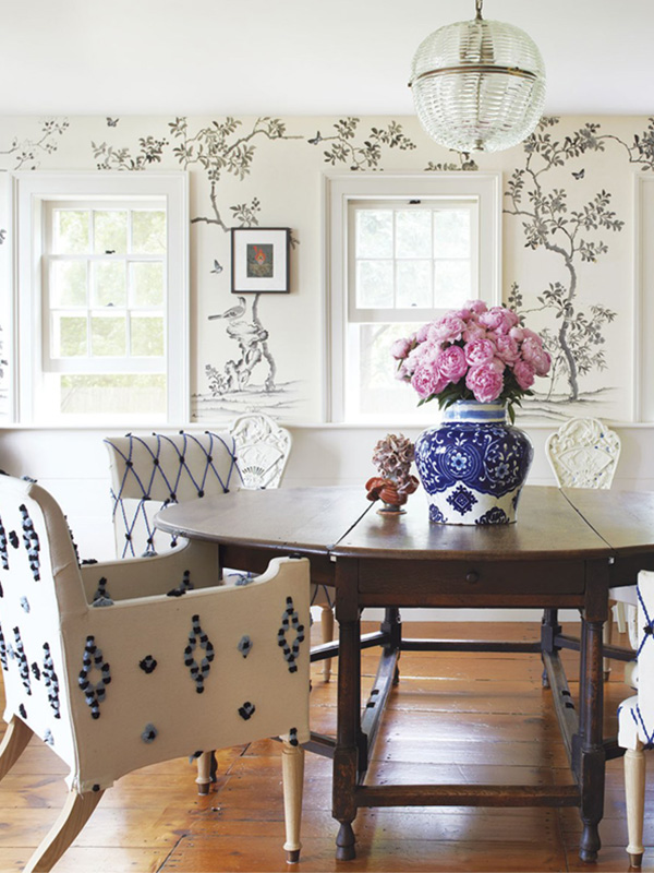 chinoiserie dining room black and white.jpeg