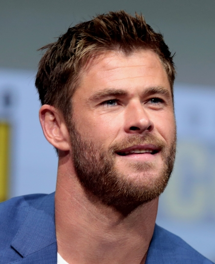 Chris Hemsworth Oval Face