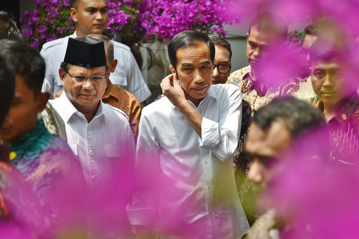 Jokowi prabowo flower. matamata.jpg
