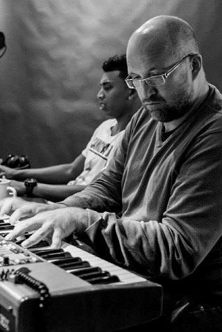 Geert Huinick : co-producer van onder andere Tiësto & Armin van Buren geeft bij ons een masterclass muziekproductie.
