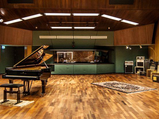 Wisseloord-Studios-2014_-133-2700x1000-553x415.jpg