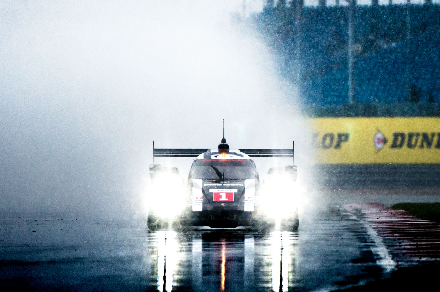 Jayson-Fong-Photography-Form-and-function-international-Porsche-919-Snow-Silverstone.jpg