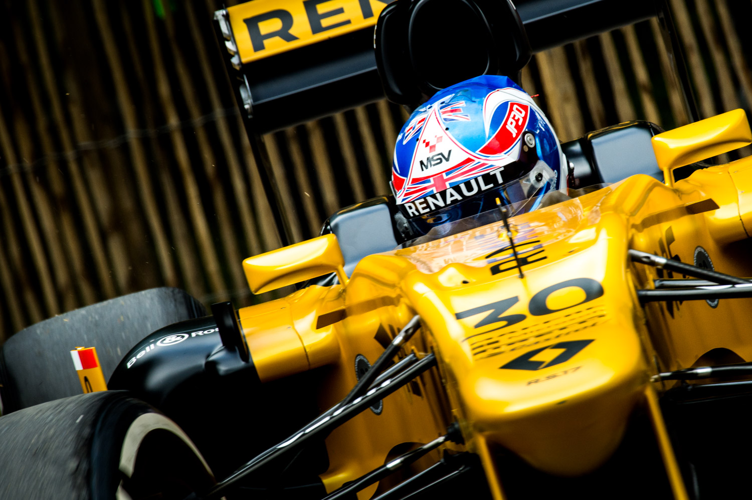 Jayson-Fong-Photography-Form-and-function-international-Renault-F1.jpg