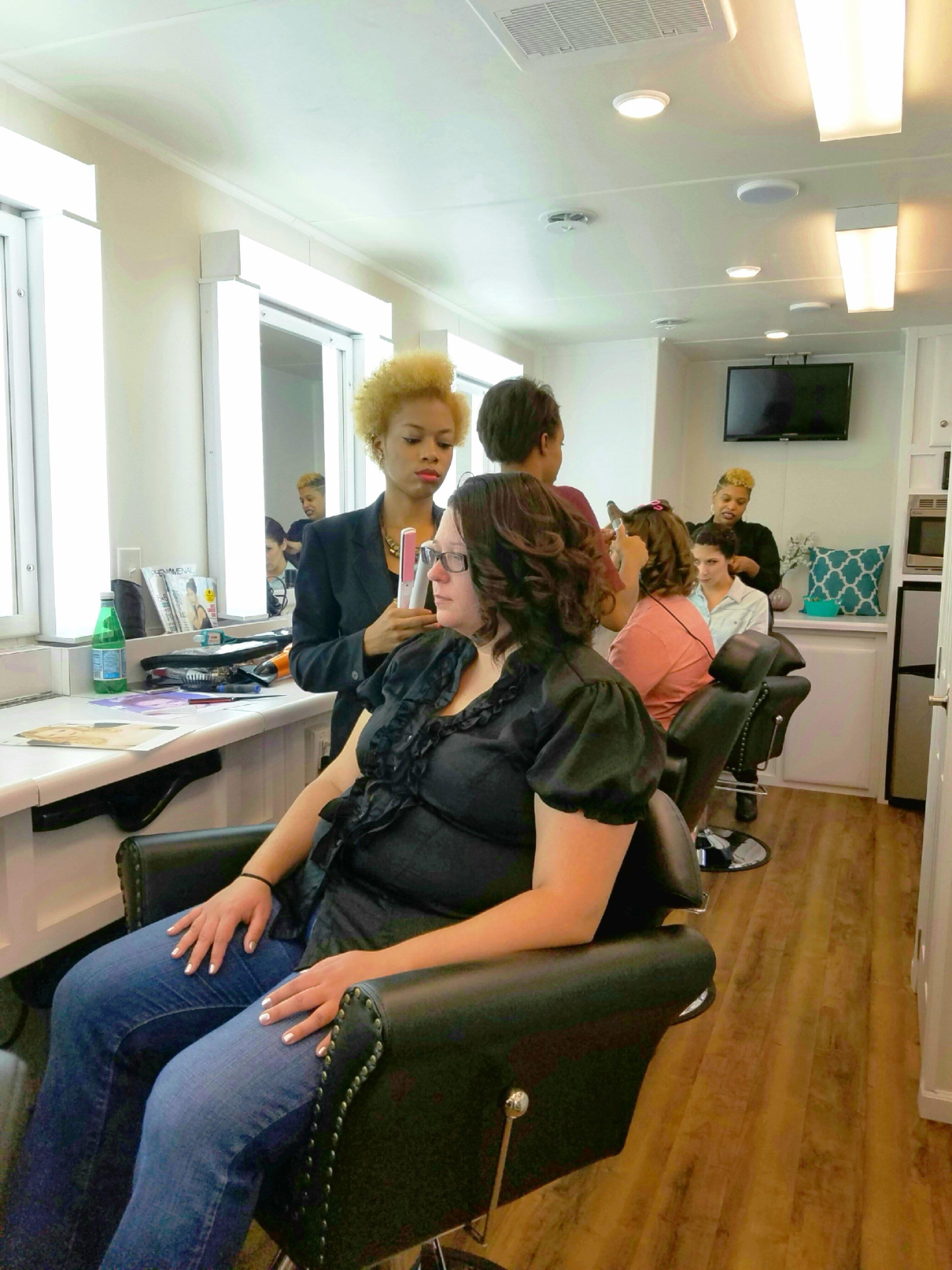 mobile salon_fullchairs.jpg