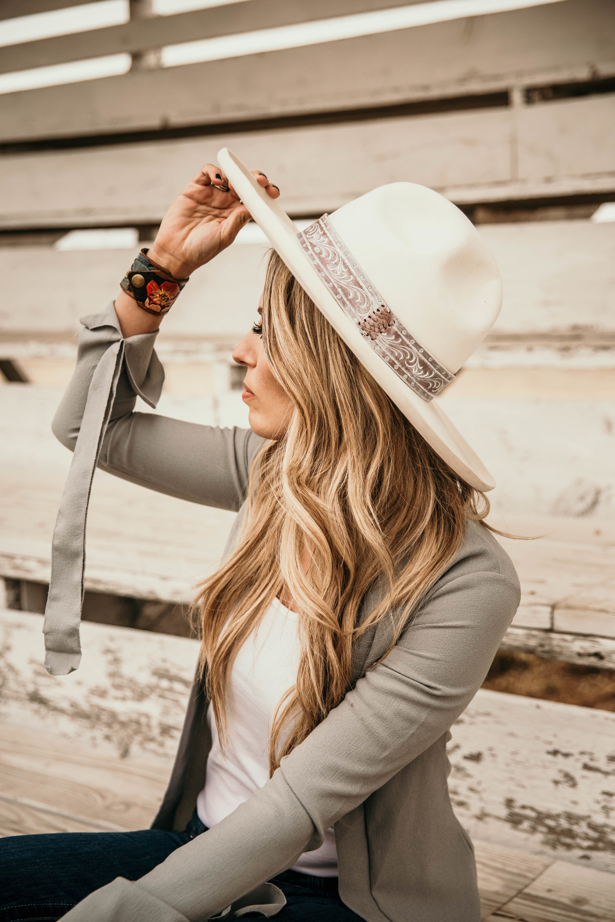 Miss. Miller's Photography | Heritage Custom Felt Hats | White Felt Hate western | Western Couture | Whitney Benton | Spring western fashion trends | Western Couture