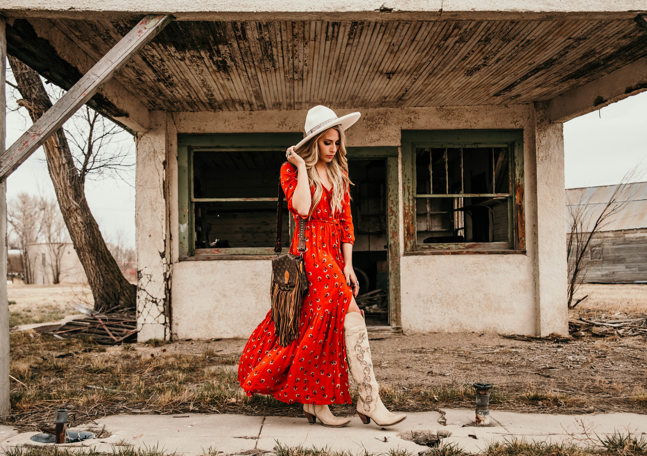 Miss. Miller's Photography | Western Couture | Whitney Benton | red boho dress | red western dress | western spring dress | Vintage boho bags | White felt hat | White Land Boots