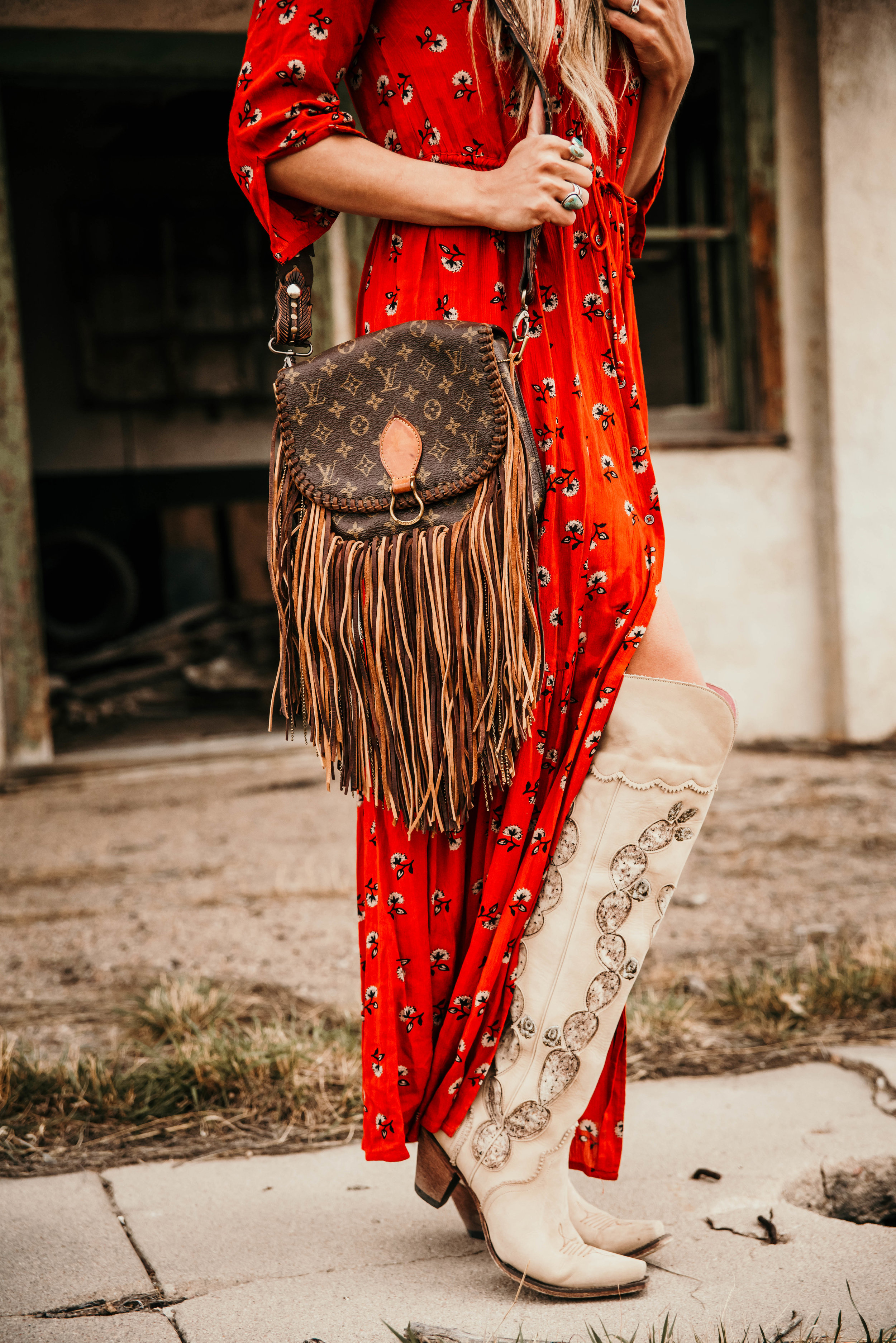 Miss. Miller's Photography | Over the knee western boots | Lane Boots | White vintage cowgirl boots | Western Fasion | Colorado Fashion Photographer | Western boutique | Western inspiration | boots with dresses | Vintage boho bags