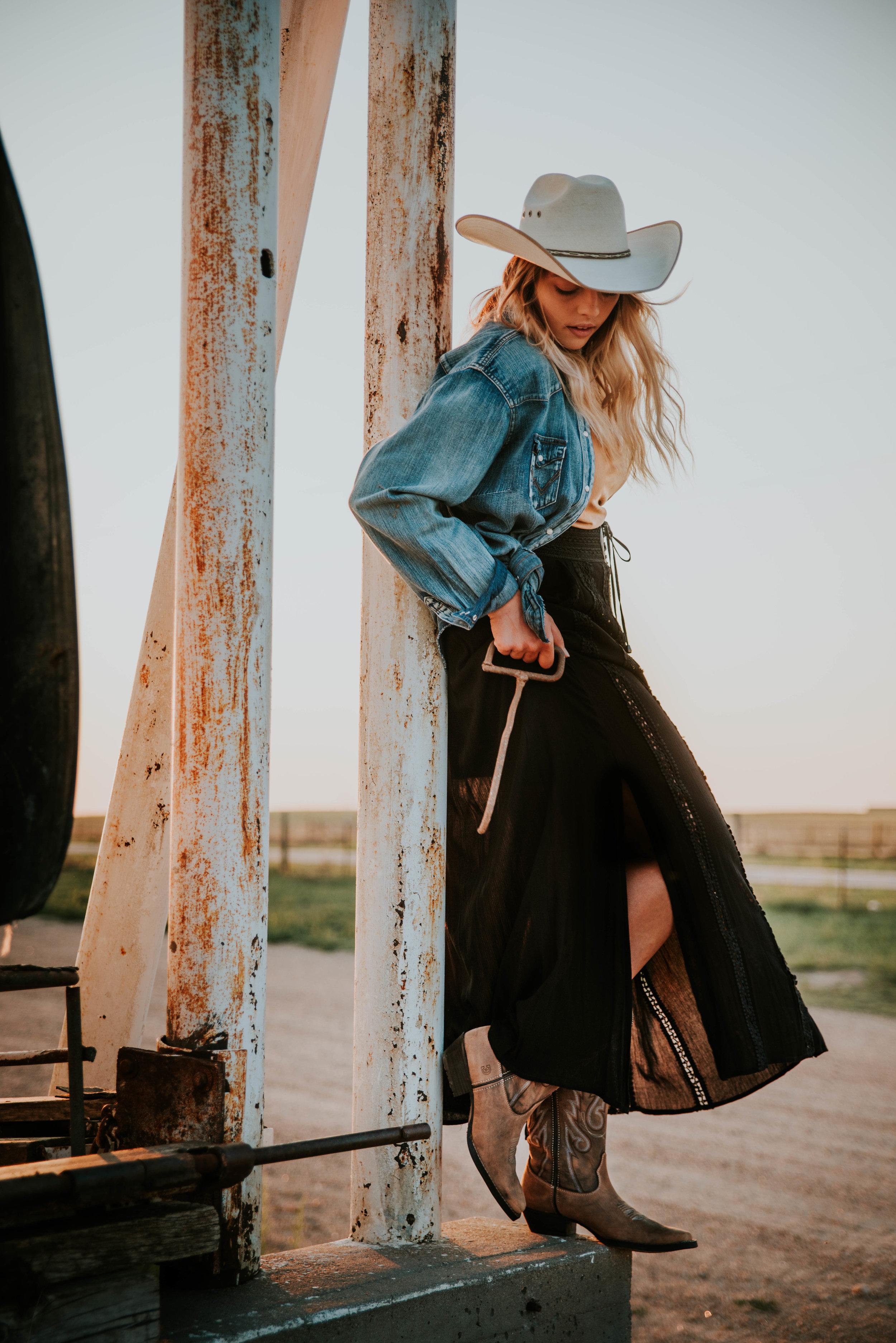 Miss. Miller's Photography | Lindsay Miller | Durango Boots | Black Western Skirt | Wrangler Fashion | Western Fashion | Cattle | Cowgirl Fashion | Western Senior Pictures