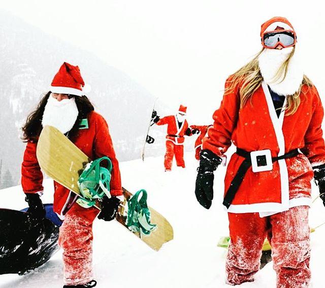 no snow this year so our tradition has been postponed... throwback to a prior year tho #santa #boarding ⛄️💌⛄️ . . . . . #snow #bozeman #montana #santasledge #snowboardingsanta