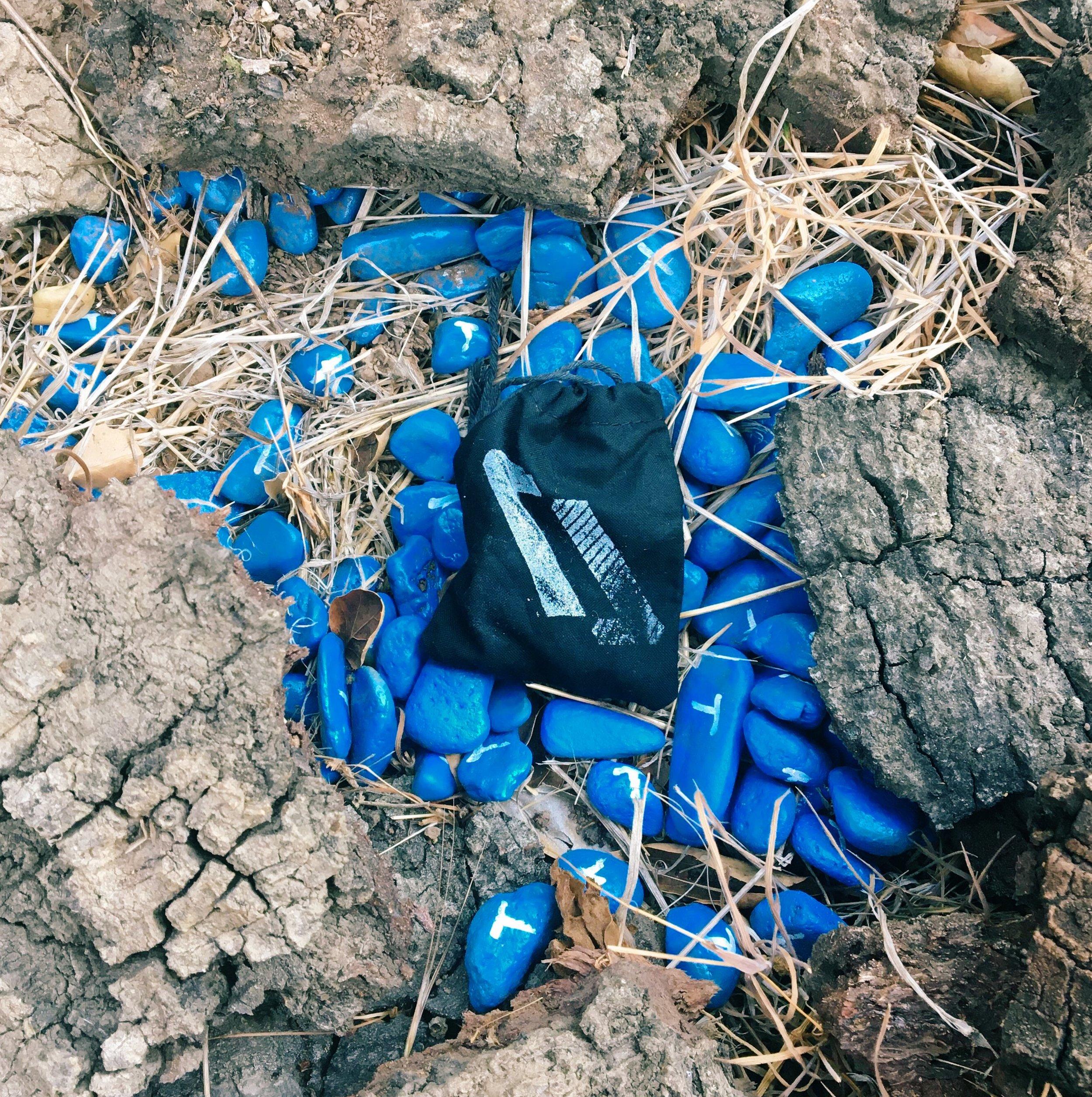 Hunt of the North_blue gravel.JPG