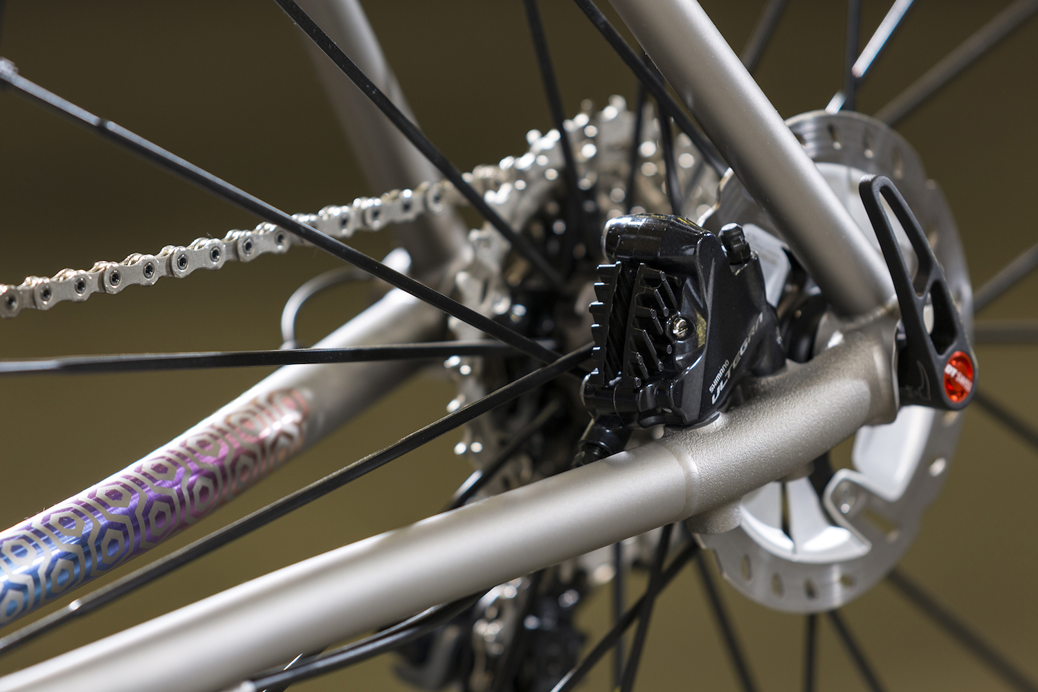 Rear wheel and brake alignment come courtesy of a proprietary 6/4 titanium 3D-printed flat-mount disc brake mount
