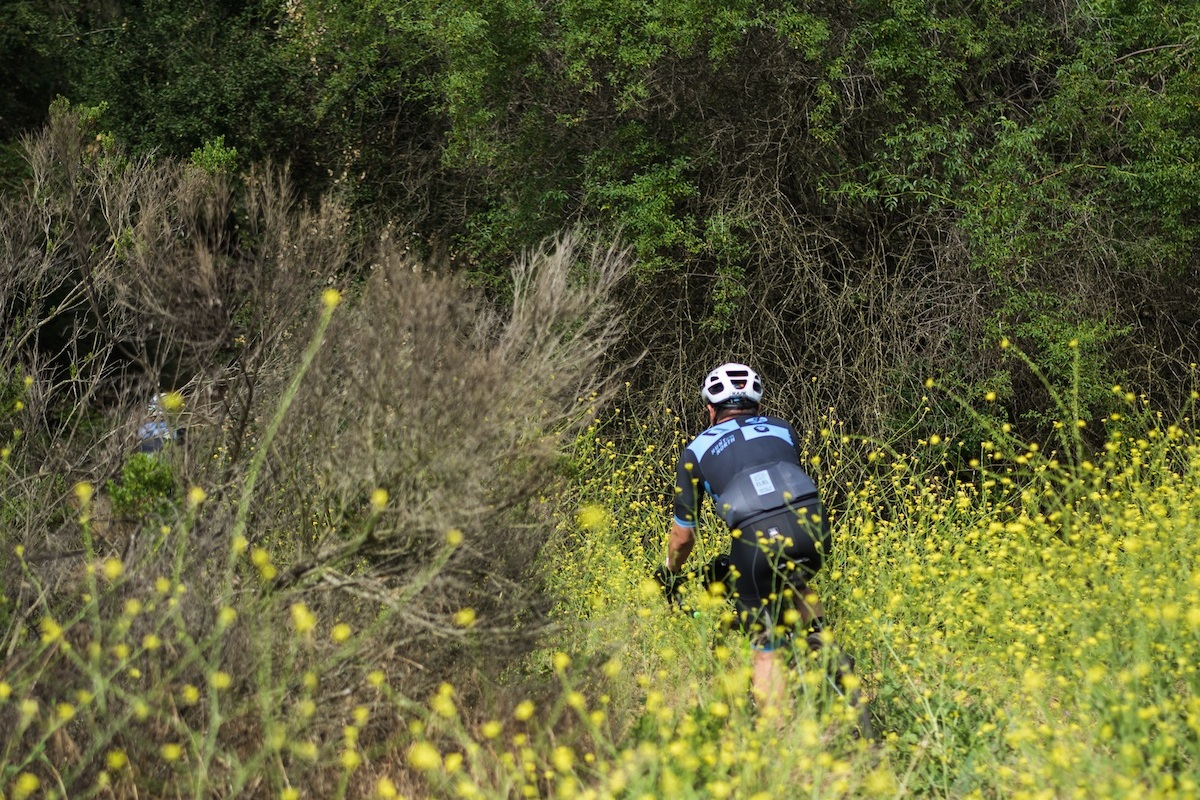 Into the singletrack, riders would make their way on self prescribed routes