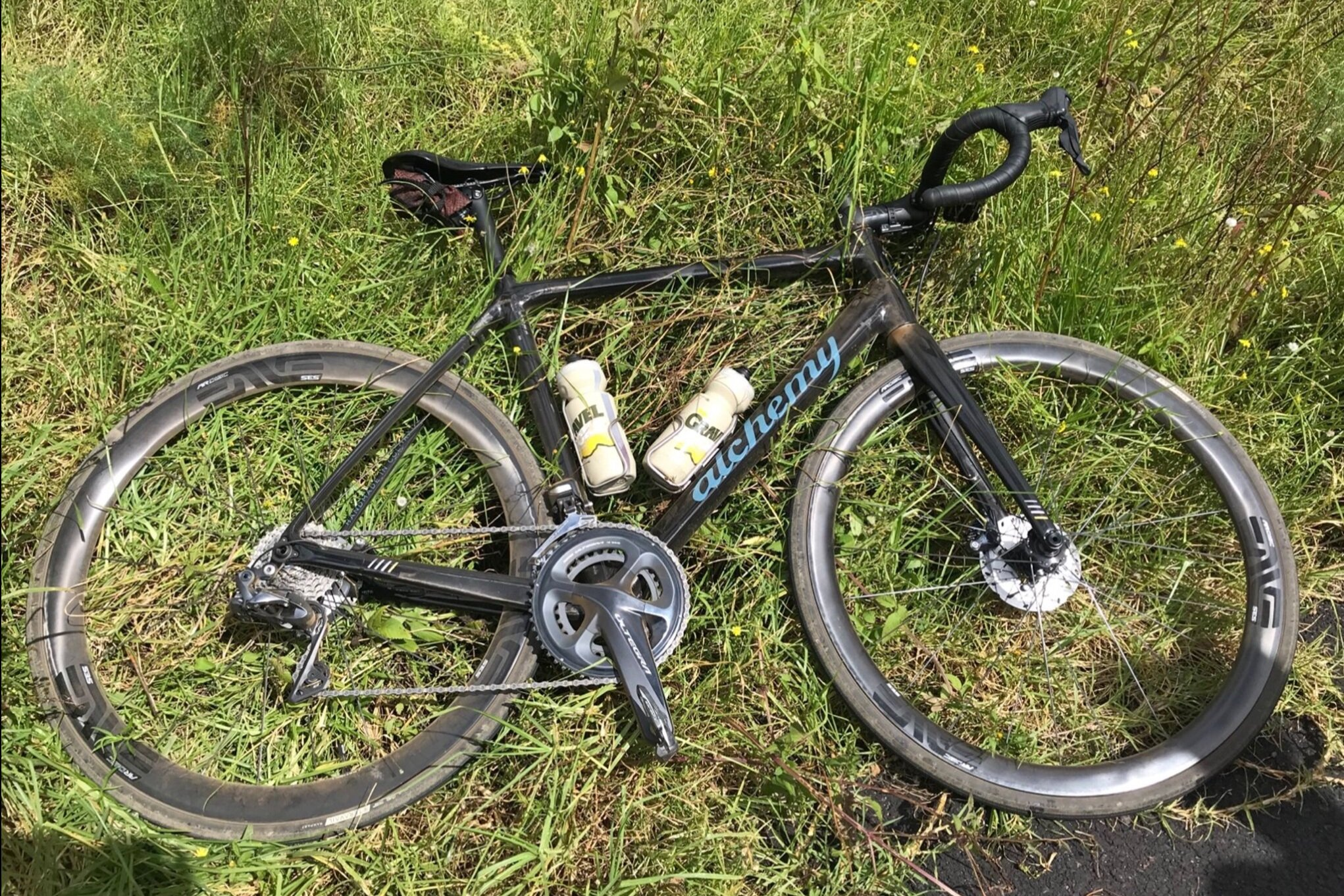 Neil Shirley rode this Alchemy gravel bike with the 3.4 AR wheels. Nice to see our bottles made it there too. PC: Neil Shirley