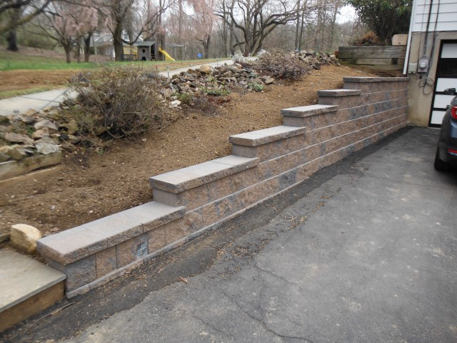 Segmental Retaining Walls 2016 (0).JPG