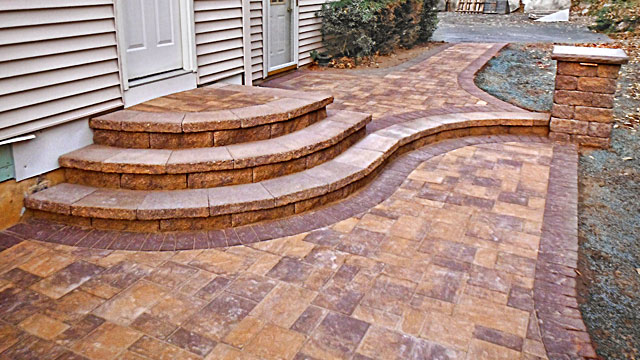 Stairs - Pavingstone stairs provide beautiful, durable, and safe transitions between different levels for walkways, raised patios, pool decks, and other applications.