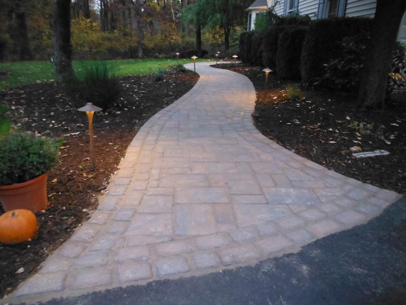 Concrete Paver Walkway 2016 (6.5).jpg