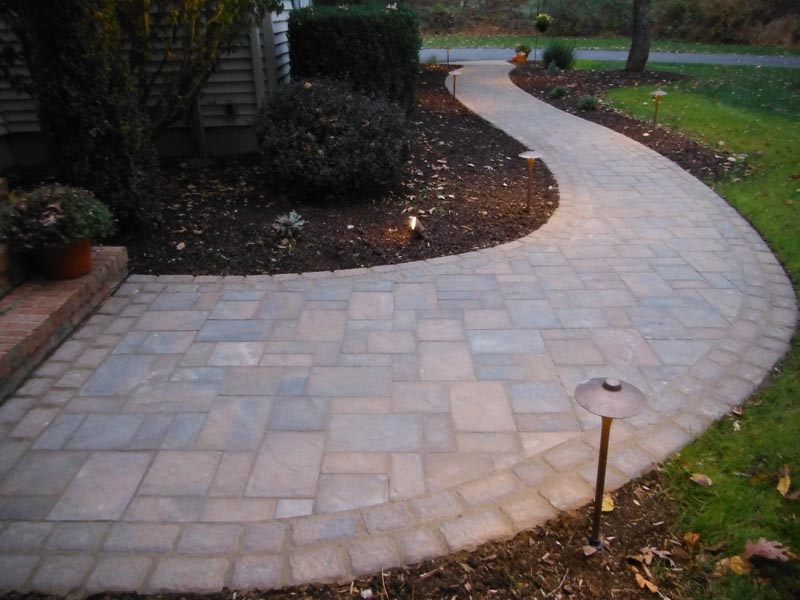 Concrete Paver Walkway 2016 (6).jpg
