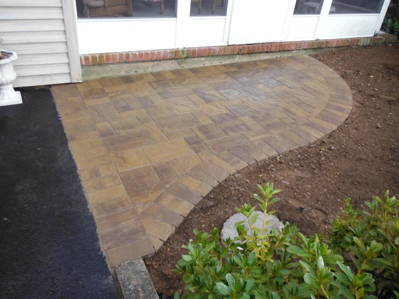 Concrete Paver Walkway 2015 (9).jpg