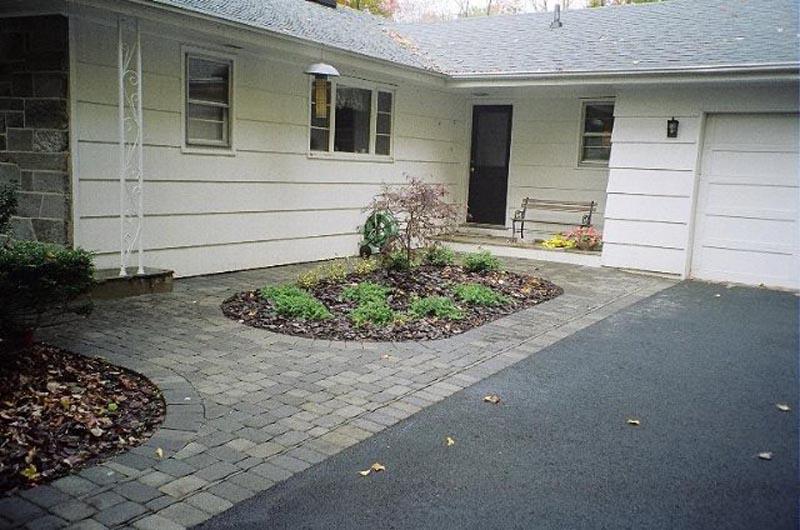 Concrete Paver Walkway 2014 (4).jpg