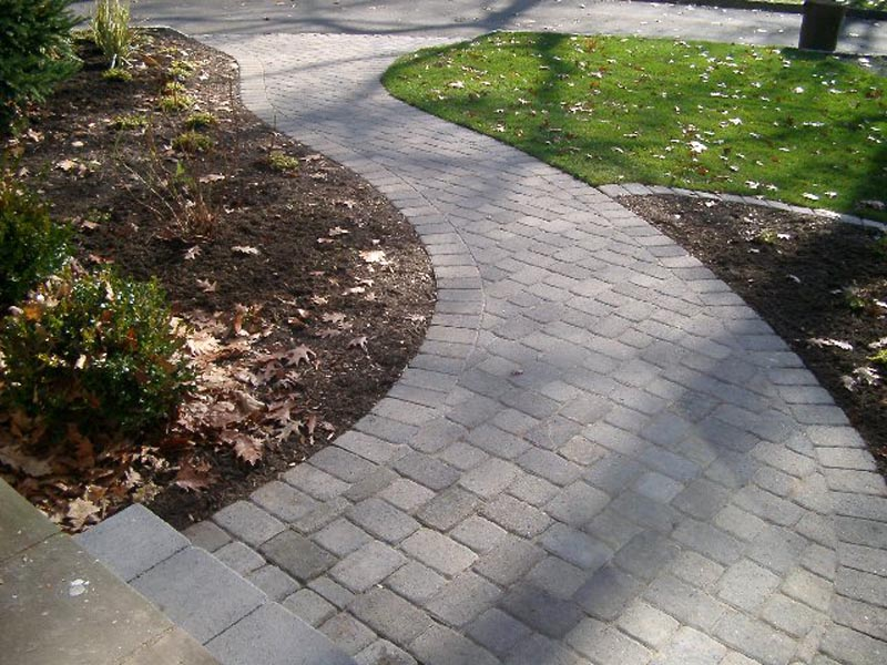 Concrete Paver Walkway 2014 (3).jpg